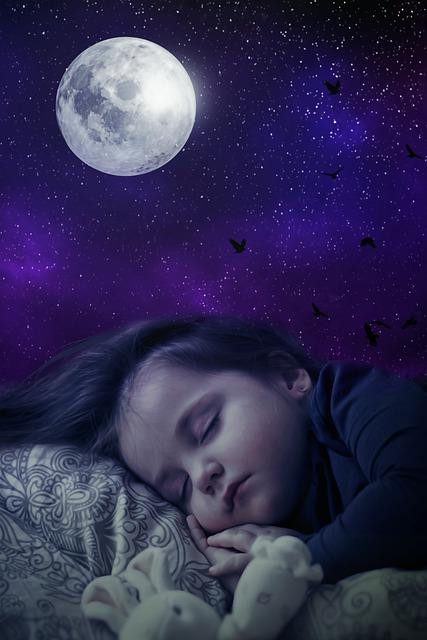 un enfant endormi, calme et paisible