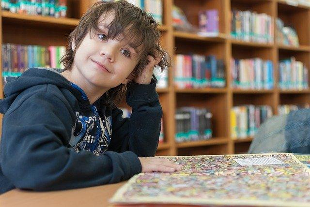 Léopold et la bibliothèque